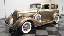 1934-pontiac-sedan