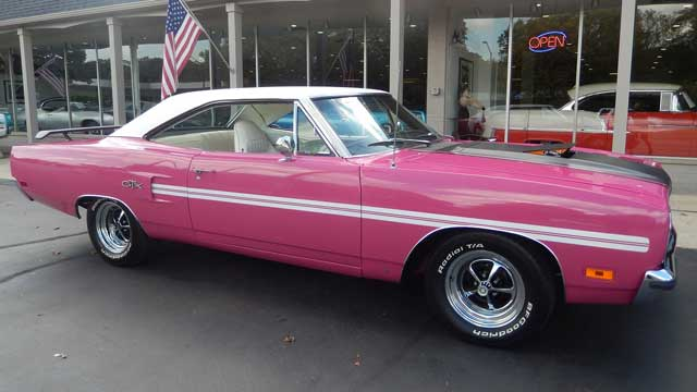 1970-Plymouth-GTX-muscle-car-video